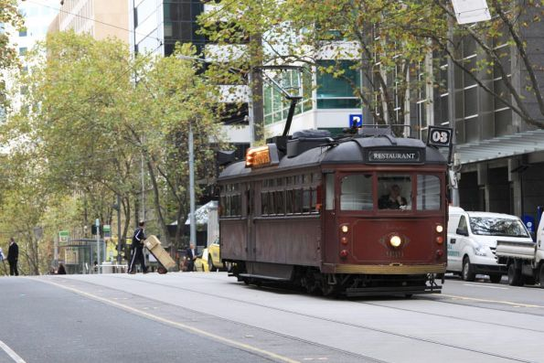 SW6.939 as Colonial Tramcar Restaurant #3 heads west on Bourke Street at William