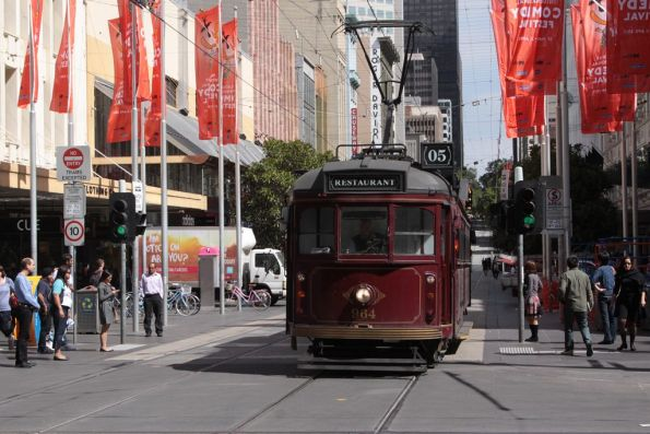 SW6.964 eastbound at Bourke and Swanston Streets