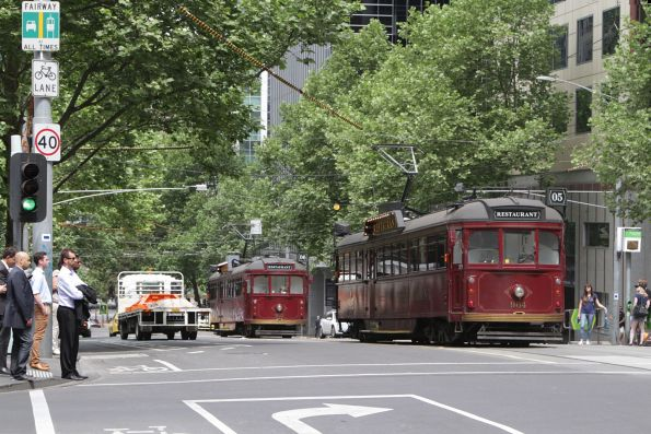 SW6.964 and SW6.935 heads south at William and Collins Street