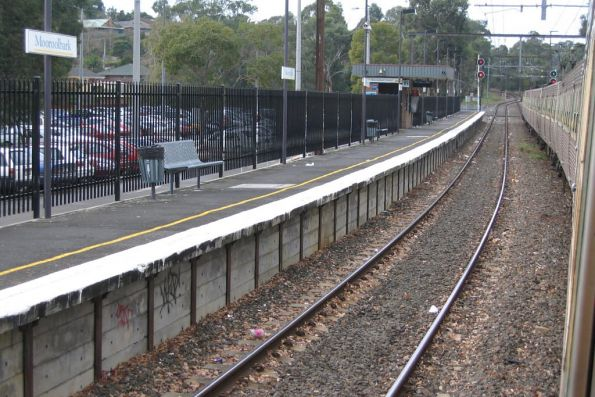 Hitachi at Mooroolbark station
