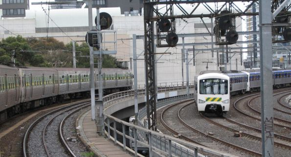 Hitachi passing a Siemens on the Viaduct