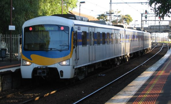 M>Train 'Wave' fronted Siemens at Newport