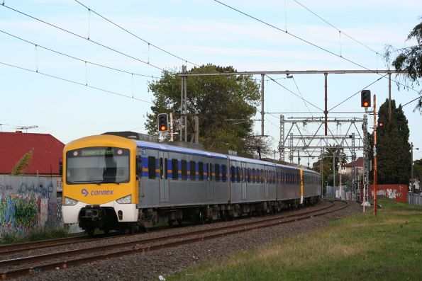 Siemens 777M and 788M on an up Broadmeadows service at Essendon