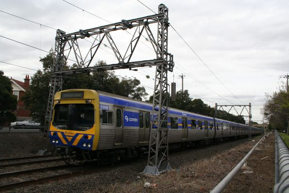 EDI Comeng 536M leads a down Williamstown service out of Seddon