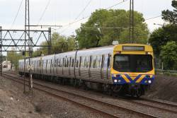 EDI Comeng on an up Werribee service at Spotswood