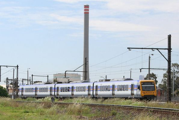 X'Trapolis 943M-1672T-944M headed to Werribee on a test run, at Newport