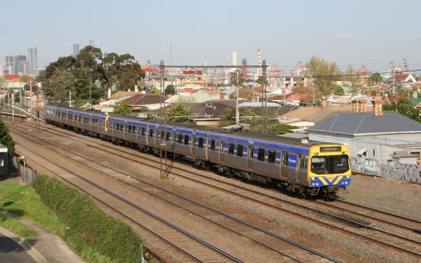 EDI Comeng 508M on the down at Middle Footscray