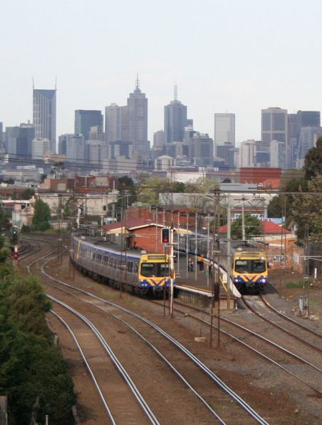 Up and down Sydenham trains cross at Middle Footscray