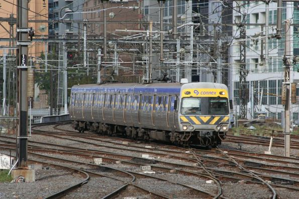 3-car Alstom Comeng set arrives at Flinders Street