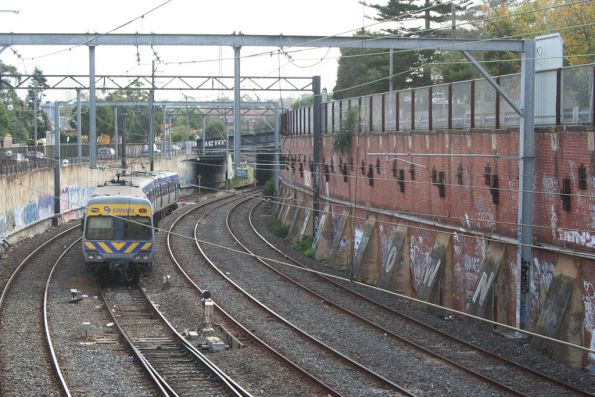 Alamein shuttle running into Siding A at Camberwell