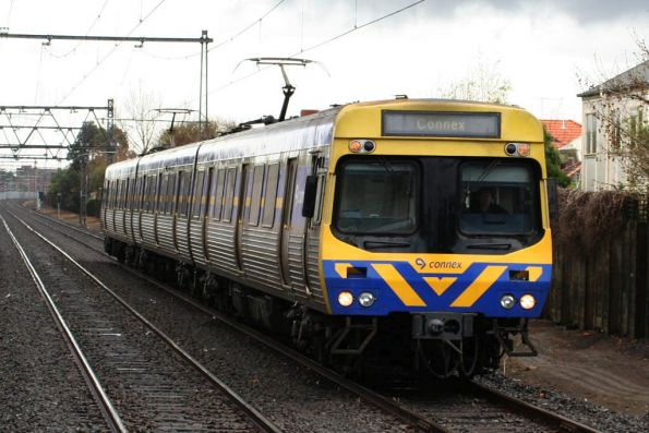 3-car EDI Comeng arrives at North Williamstown with a down Williamstown shuttle