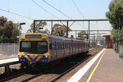 3-car EDI Comeng arrives into South Kensington on an up Werribee service