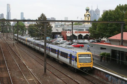 X'Trapolis 872M stopping at East Richmond