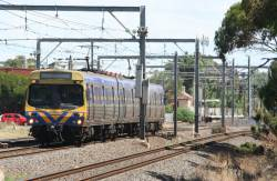 3-car EDI Comeng on the up at Werribee