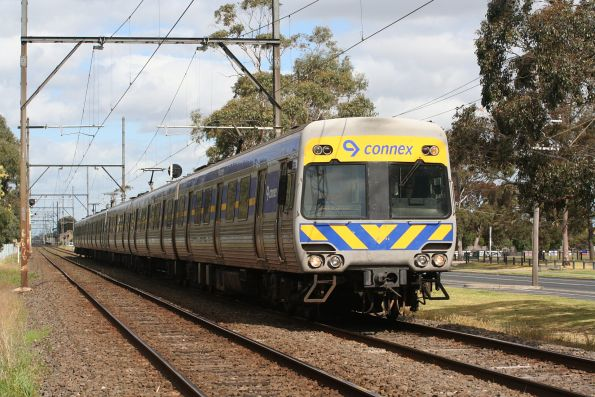 Alstom Comeng train departs Clayton on the up