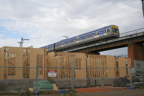 Alstom Comeng 569M crosses the Merri Creek bridge