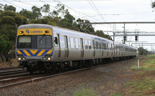 Alstom Comeng on the down arrives into Werribee