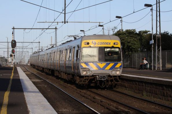 Alstom Comeng arriving into West Footscray