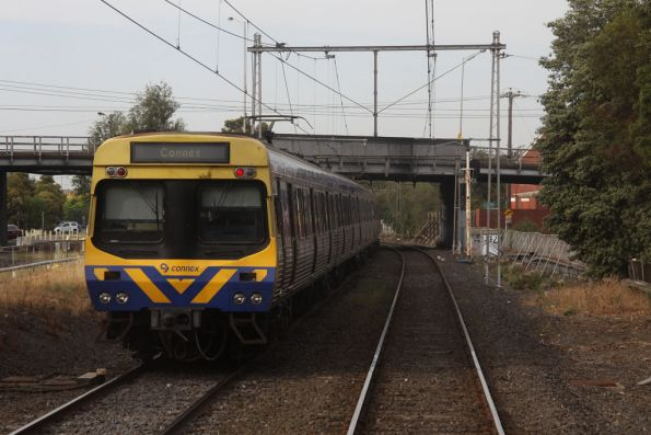 EDI Comeng approachers Somerville Road on the down at Yarraville