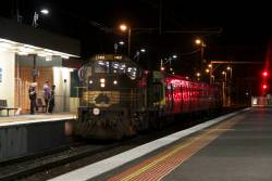T402 arrives into Broadmeadows with the 'good' set