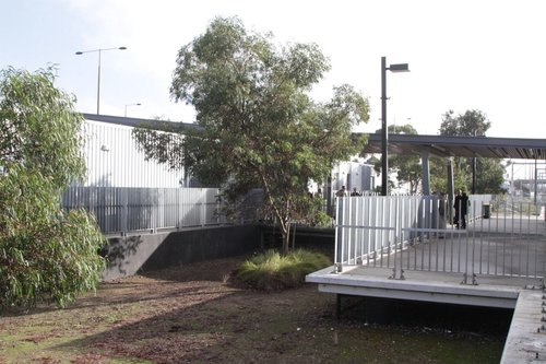 Land bridge links Craigieburn platform 2 with the station concourse
