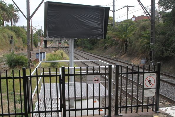 New rear view mirror added at the up end of Malvern platform 3