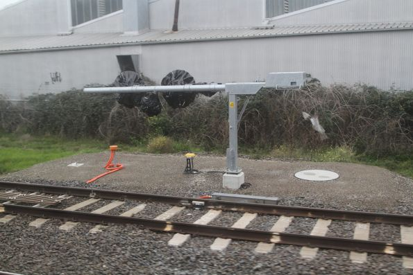 Tilt mast signals yet to be commissioned at Dandenong Junction
