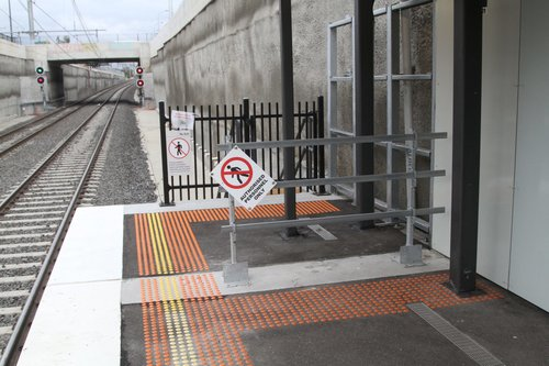 Tiny platform extension at the down end of Springvale platform 1