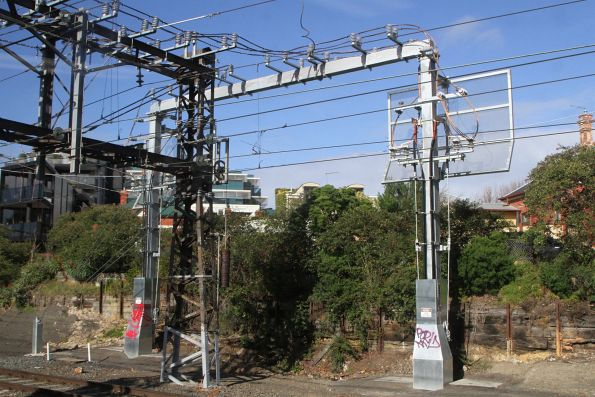 New overhead power feeders at Toorak