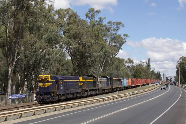 T320 leads T378, T356 and S313 across the river into NSW