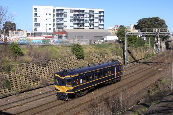 RM58 passes through Footscray bound for Southern Cross