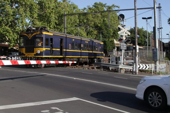 On the way to Seymour, crossing the Macaulay Road level crossing at Kensington