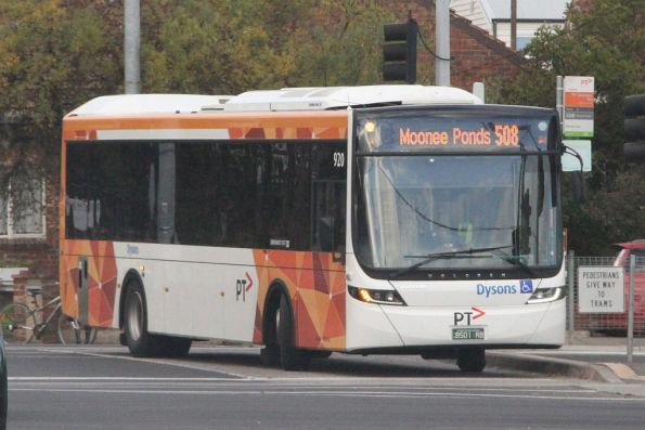 Dysons #920 BS01RB on a route 508 service at St Georges Road
