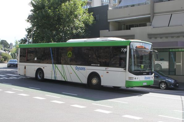 Dysons bus #729 9139AO arrives at Heidelberg station on route 546