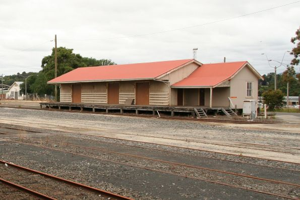Looking across the yard to the goods shed at Warragul
