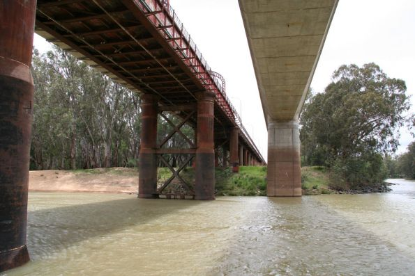 Under the two bridges over the Murray at Echuca