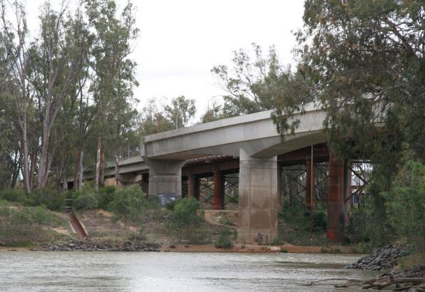 End of the main rail bridge span, from the east (upstream) side
