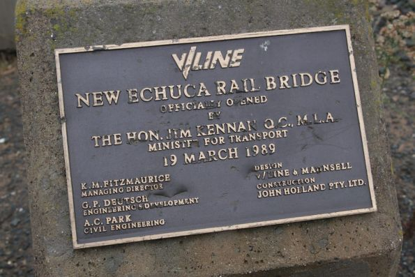 Plaque marking the opening of the new Echuca rail bridge on 19 March 1989