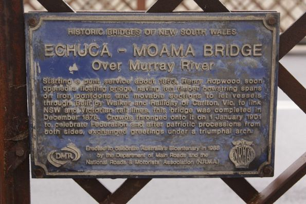 Plaque detailing the history of the original Murray River bridge at Echuca
