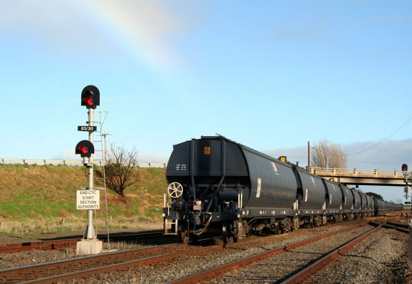 Last WGBY wagon departs Gheringhap, with a rainbow overhead