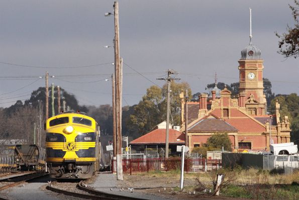 Having received the train order, B74 leads the consist out of Maryborough