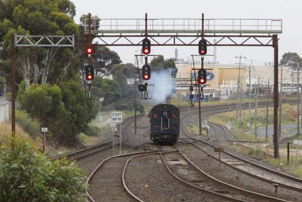 After changing ends at Cowies Creek, S303 and G521 head for North Geelong C