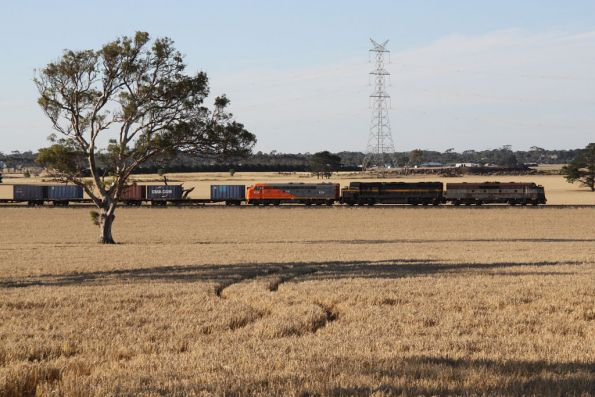 GM36, C501 and S302 lead an up El Zorro freight from Horsham back to Melbourne