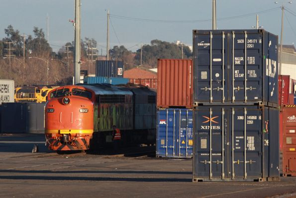 S302 and GM32 at the city end of North Dynon, having arrived on the Horsham freight
