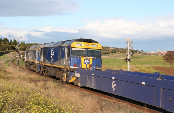 Dropping downgrade at Moorabool with the CQWY well wagons