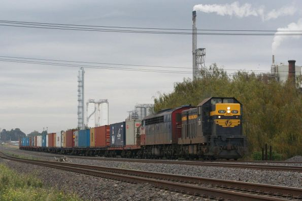 T357-S302 on a late running down El Zorro Warrnambool freight at Corio