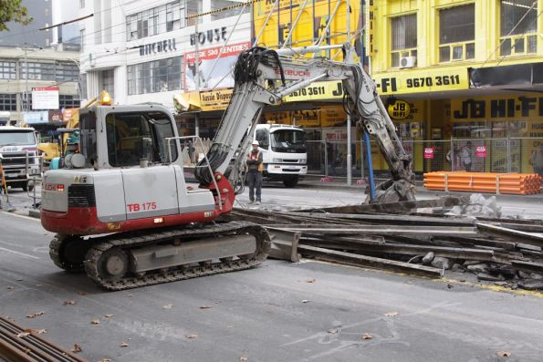 Collecting the old rail near Lonsdale Street