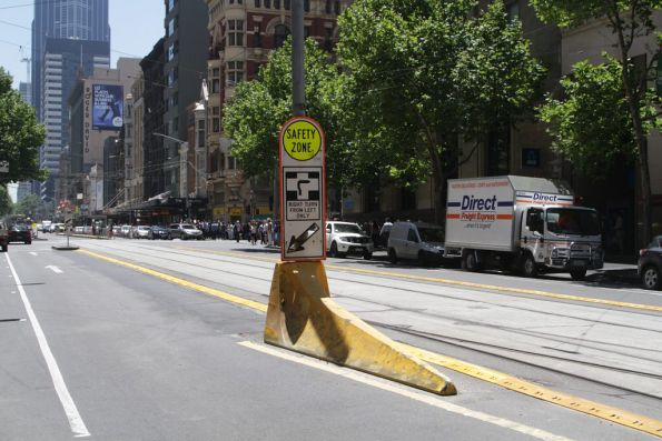 Safety zone prowl still in place at the former Collins Street stop, northbound on Elizabeth Street
