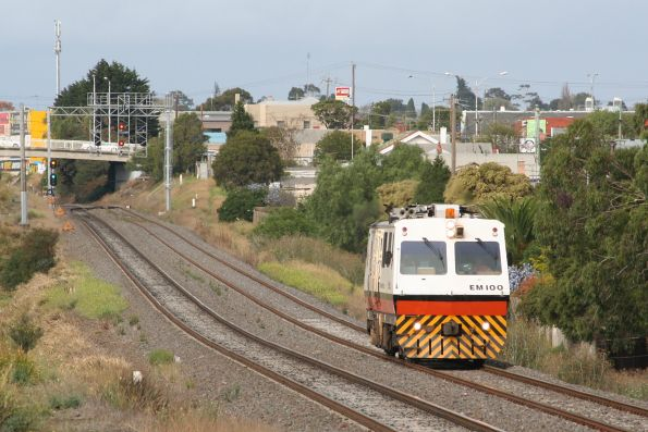 Heading for North Geelong on the up