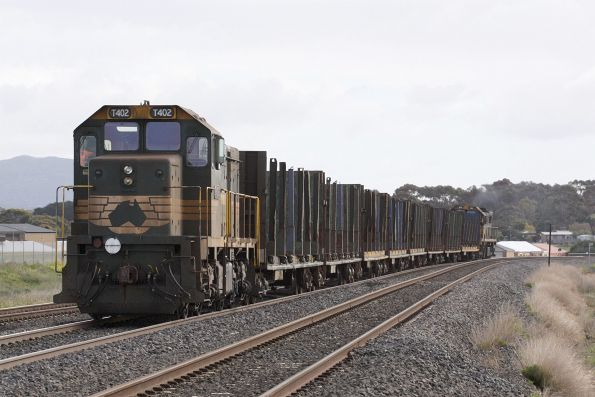 T402 trailing the empty wagons at Lara
